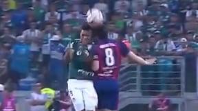 Choque entre Miguel Ángel Borja y Rodrigo Rojas