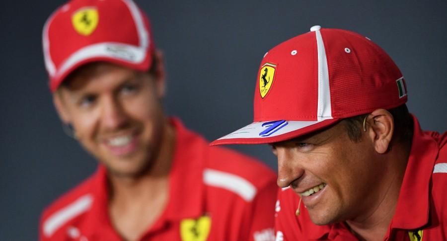 Sebastian Vettel (Izq.) y su compañero Kimi Raikkonen