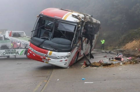 Bus accidentado en Ecuador