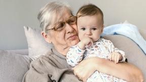 Abuela y nieto.