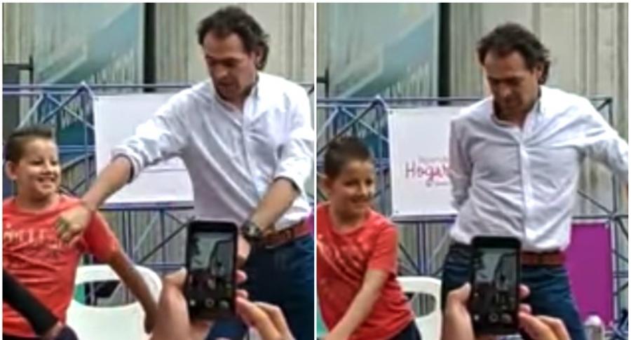 Alcalde de Medellín bailando.