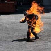Hombre quemado