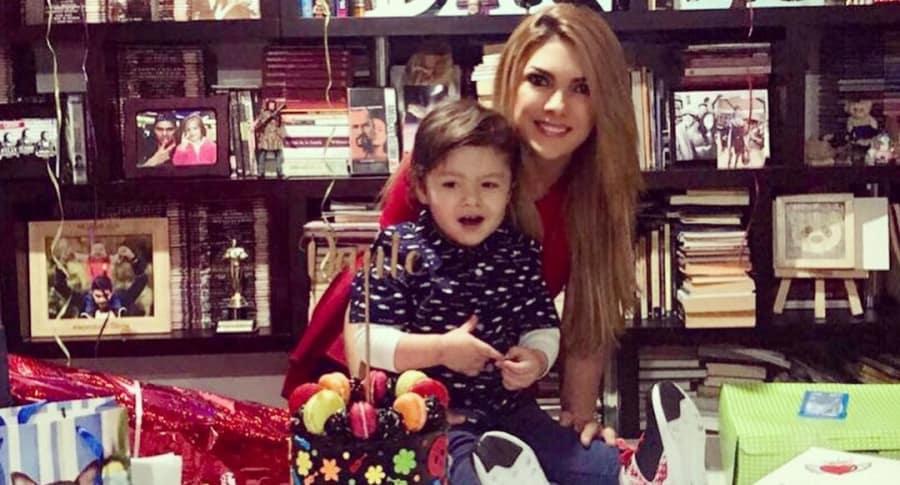 Ana Karina soto y su hijo Dante