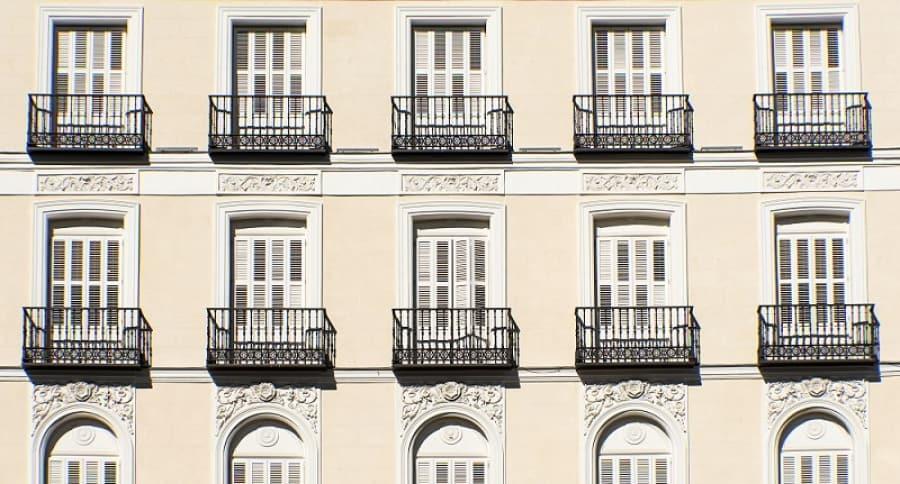 Fachada con balcones