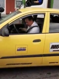 Taxista palazos