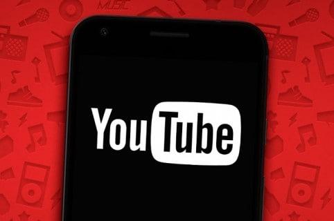 Celular con YouTube