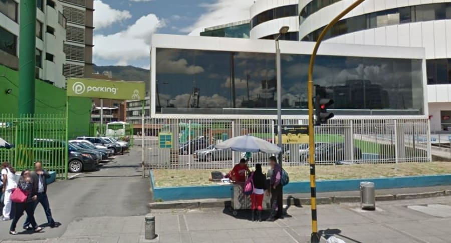Parqueadero calle 100 con carrera 15