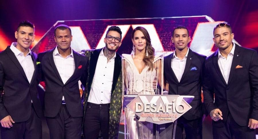 Diego, Lucumí, Mateo, 'Olímpico' y 'Be', participantes del 'Desafío' 2018, con la presentadora Catalina Aristizábal.