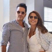 Ernesto Calzadilla, presentador, y Amparo Grisales, jurado de 'Yo me llamo'.