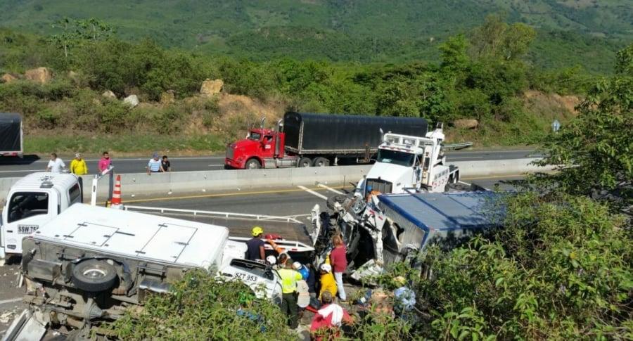 Accidente vía Guaduas-Puerto Salgar (Cundinamarca)