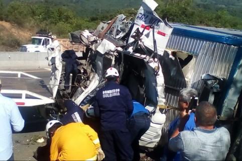 Accidente vía Guaduas-Puerto Salgar