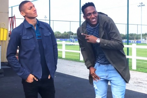 Richarlison y Yerry Mina
