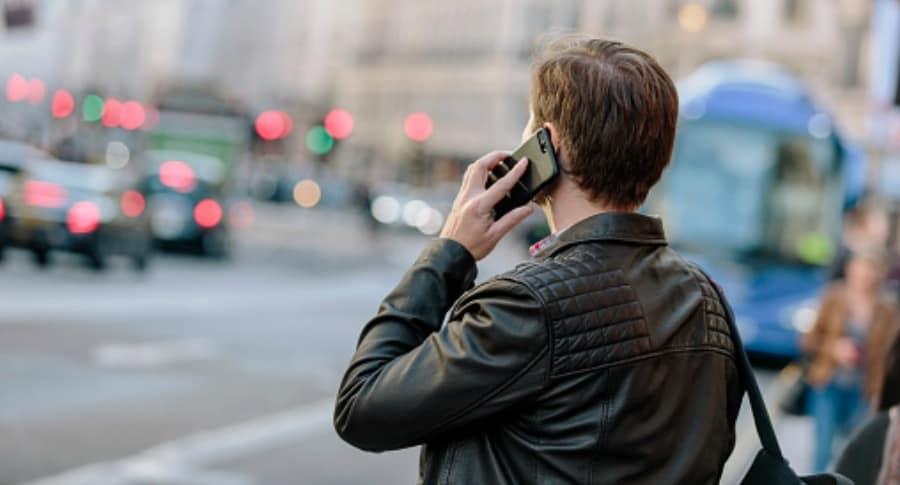 Hablar por celular