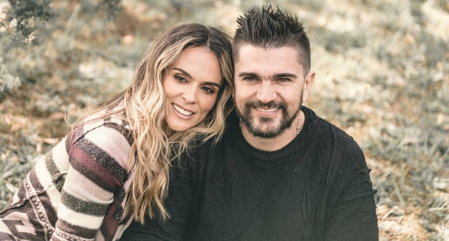Juanes y Karen Martínez