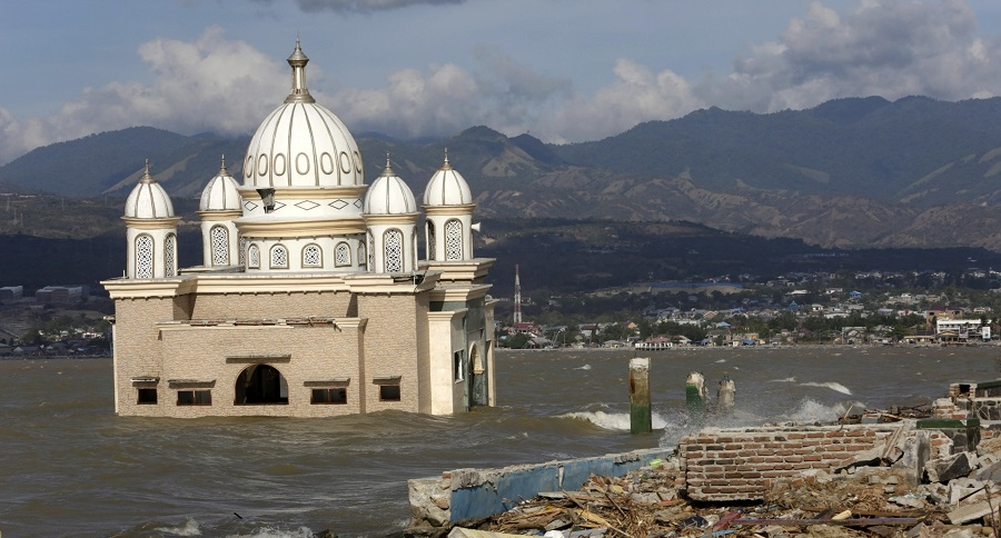 Sismo y Tsunami Indonesia