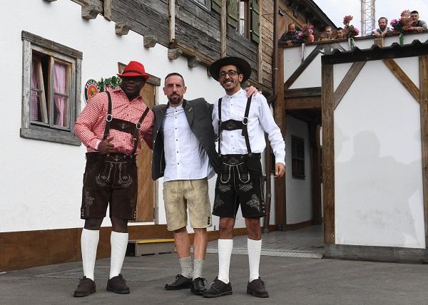 Franck Ribery y dos amigos.