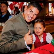 James Rodríguez y su hija Salomé.