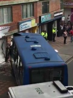 Bus del SITP se estrella.
