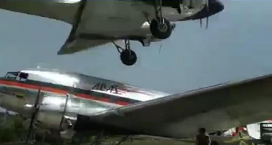 Aterrizaje de avión en Vaupés