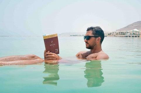 beach-book-bronzing-