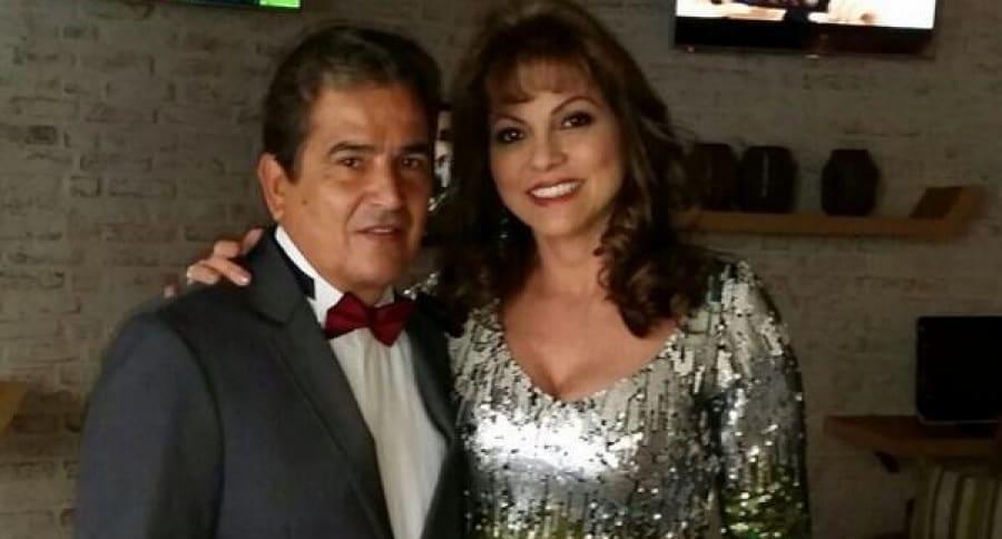 Jorge Luis Pinto y su esposa,  Claudia Cecilia Uribe