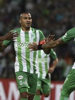 Macnelly Torres celebrando con Dayro Moreno, cuando jugaban en Nacional