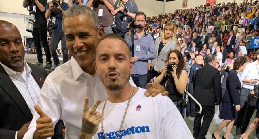 J Balvin, cantante, con Barack Obama, expresidente de Estados Unidos.