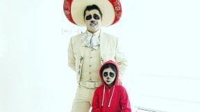Hassam, humorista, y su hija.