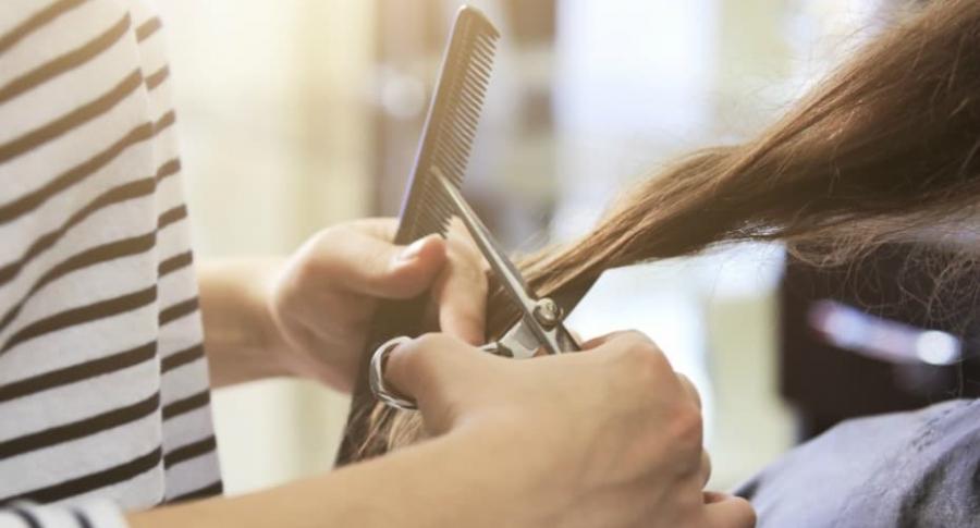 Corte de cabello.