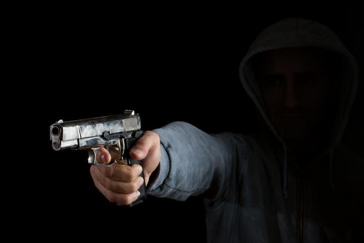 Hombre armado / asesino