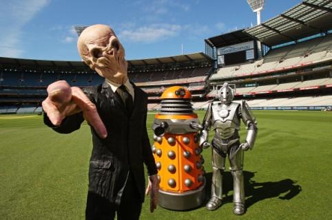 Extraterrestres en un estadio