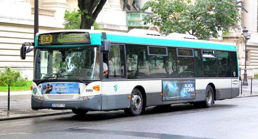 Bus en París, Francia.