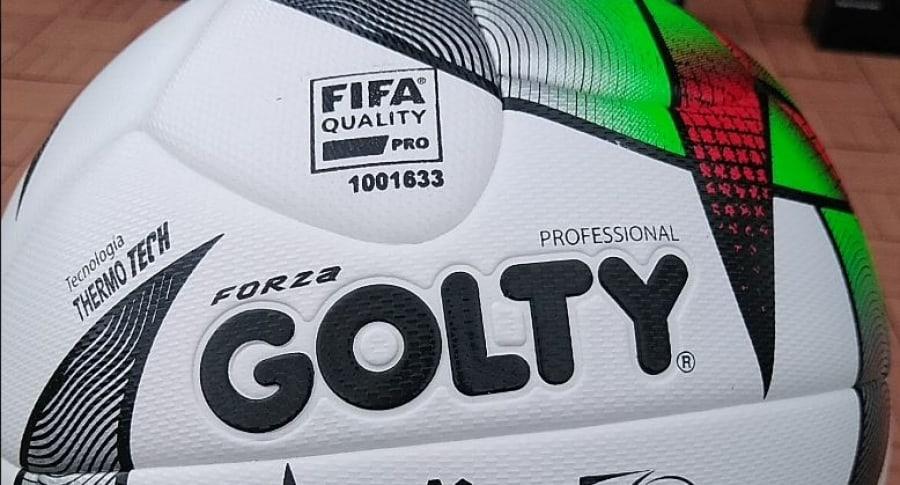 Balon fútbol colombiano