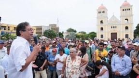Gustavo Petro en plaza del Carmen de Bolívar