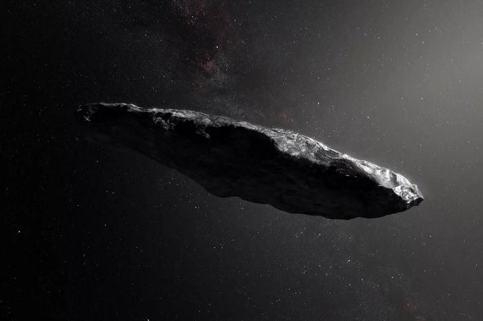 Roca grande en el espacio