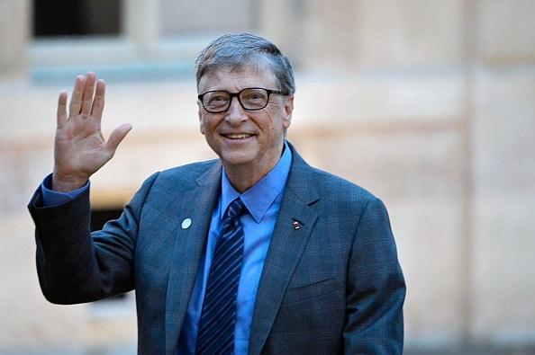 Bill Gates Saludando