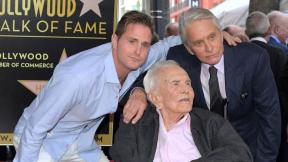 Cameron Douglas, Kirk Douglas y Michael Douglas