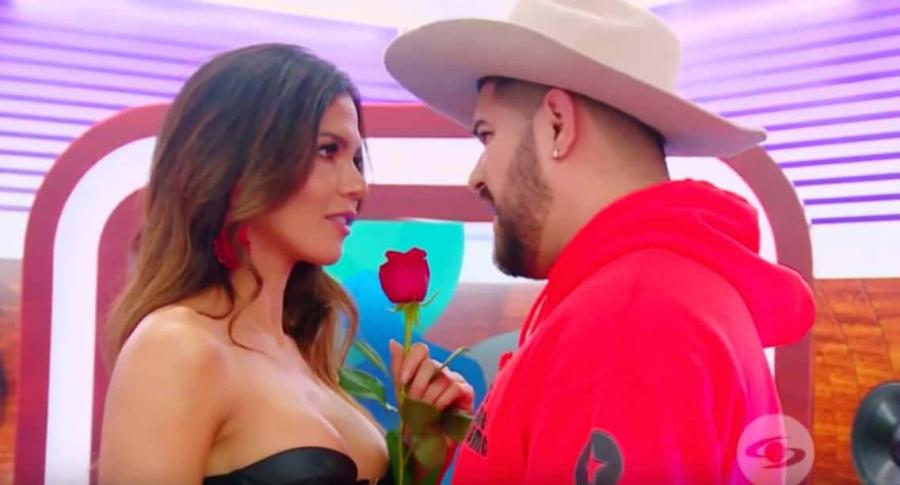 Shirly Gómez e imitador de Jessi Uribe.