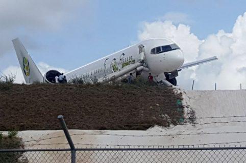 Avión de Fly Jamaica Airways