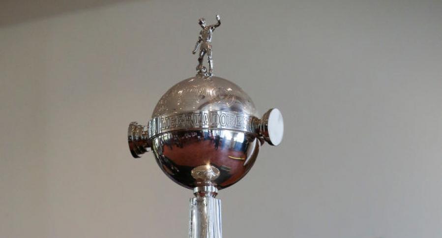El codiciado trofeo de la Copa Libertadores de América