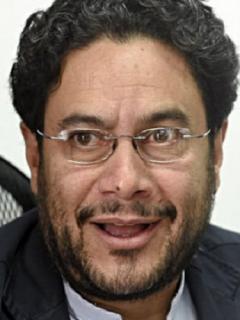 """Para no """"perturbar"""" a Uribe, Iván Cepeda no asistirá a su indagatoria (pese a que puede)"""