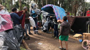 Traslado de venezolanos a campamento en Engativá