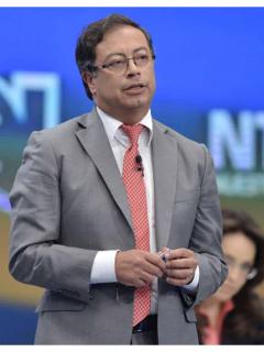 Presidente sindical vs Gustavo Petro