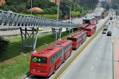 Buses de Transmilenio.