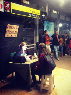 Vidente en estación de Transmilenio