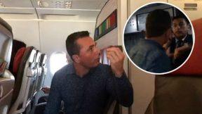 Pasajero de avión insulta