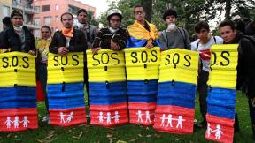 Estudiantes protestando por la educación