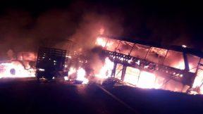 Grave choque entre bus intermunicipal y camión cisterna en el Cesar