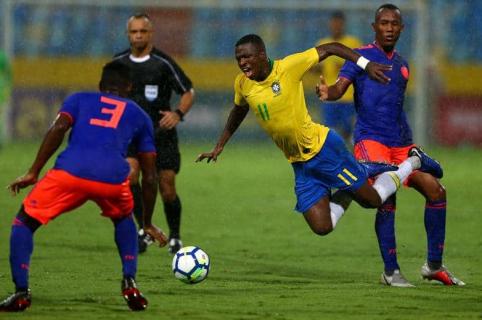 Vinicius en Brasil vs. Selección Colombia Sub-20