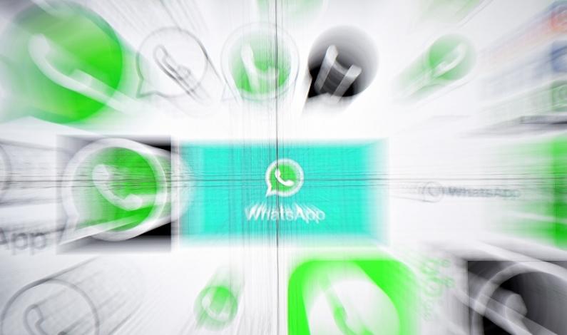 Logos difuminados de WhatsApp